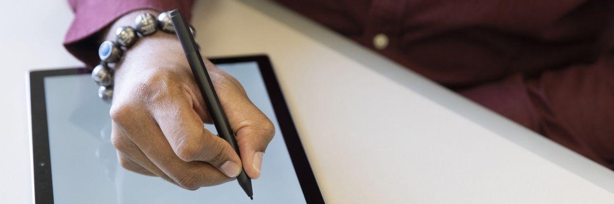 Surface Pen : une prochaine génération avec oreillette ou écran intégré ?