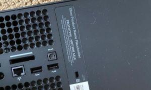 Fuite : des photos de la Xbox Series X font apparaître les ports de la console