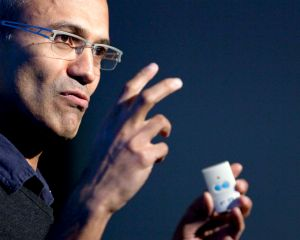 Satya Nadella : pour Microsoft, l'IA ne remplacera pas les travailleurs humains
