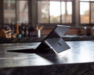 Le premier test de la Surface Pro X souligne des performances décevantes