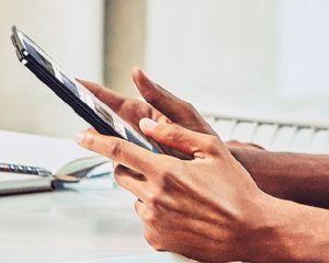 Le Surface Phone serait-il un appareil pliable mi-tablette, mi-smartphone ?