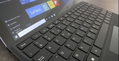 [Bon plan] La Surface Pro 4 baisse de prix et devient plus accessible
