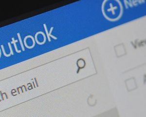 Outlook : comment créer une signature et la synchroniser entre vos appareils ?