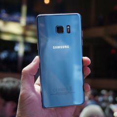 """Le Samsung Galaxy S7 Edge se déclinera aussi en """"bleu corail"""" pour l'Europe"""