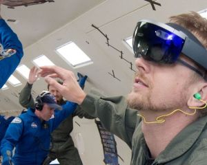 HoloLens en avion, c'est bien utile pour certains vols !