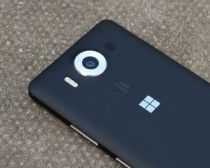 Quelles sont les fonctionnalités qui manquaient à la sortie des Lumia 950 (+XL)?