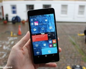 Photos du Lumia 650 XL, un autre Windows 10 Mobile abandonné par Microsoft