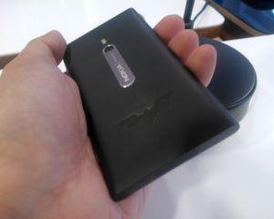 Le Nokia Lumia 800 en édition limitée Batman Dark Knight Rises [MAJ]