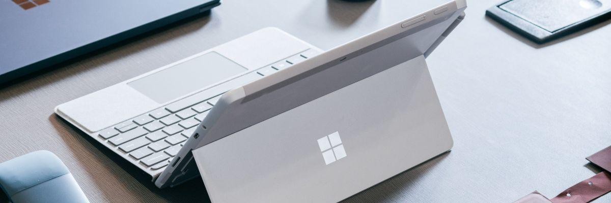 """Surface Pro 7 : USB-C et Type Cover """"collé"""" à la tablette ?"""