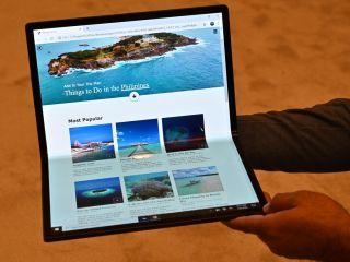 Intel dévoile un prototype avec écran pliable sous Windows 10