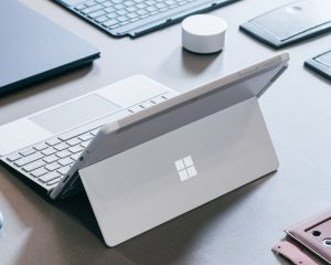 Découvrez le premier prototype Surface Pro fait de plastique et de carton