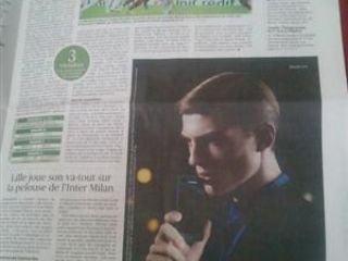 Une publicité pour le LG Jil Sander dans le journal Le Figaro