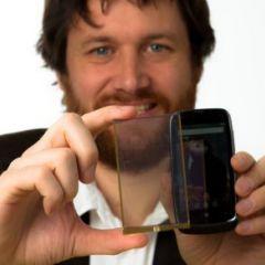 Le composant Wysips présenté sur un Nokia Lumia 610
