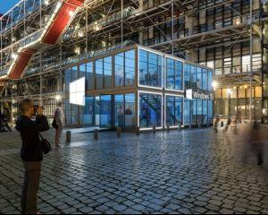 Windows 10 : pour sa promotion, Microsoft se met en cube au Centre Pompidou