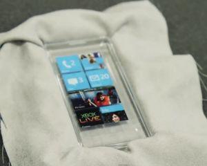 Un Windows Phone transparent dans le laboratoire de prototypage de MS