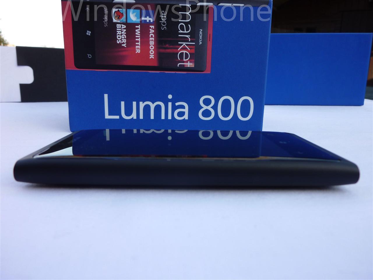 Déballage du Nokia Lumia 800 par Mon Windows Phone ...