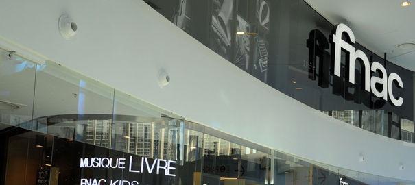 un-magasin-fnac-au-centre-commercial-beaugrenelle-de-paris-4664186