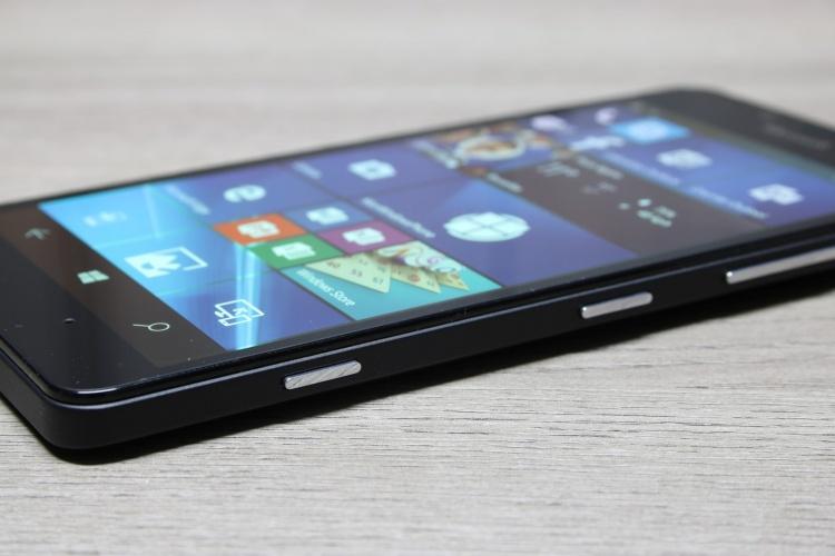 Microsoft-Lumia-950-19-