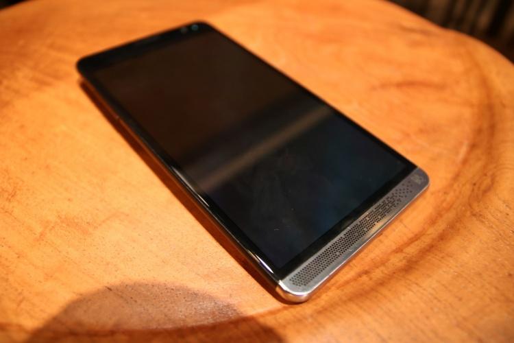 Devices-HP-Elite-X3-9-