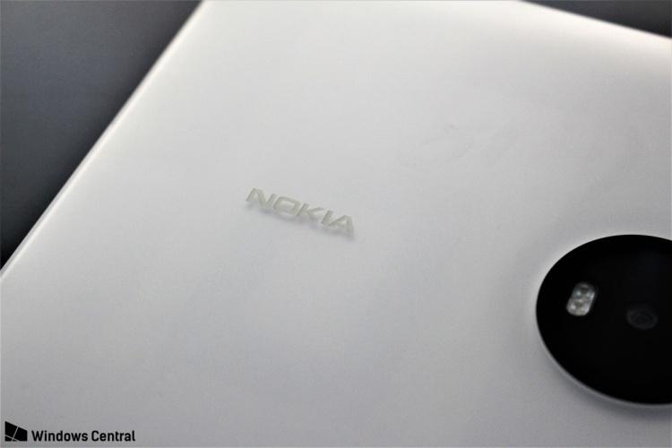 Lumia-2020-Nokia-logo-0