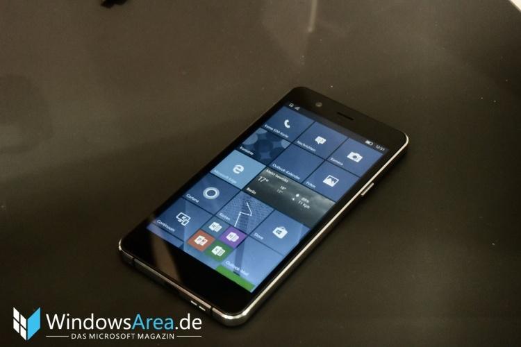 Trekstor-WinPhone-5.0-Front-Seite