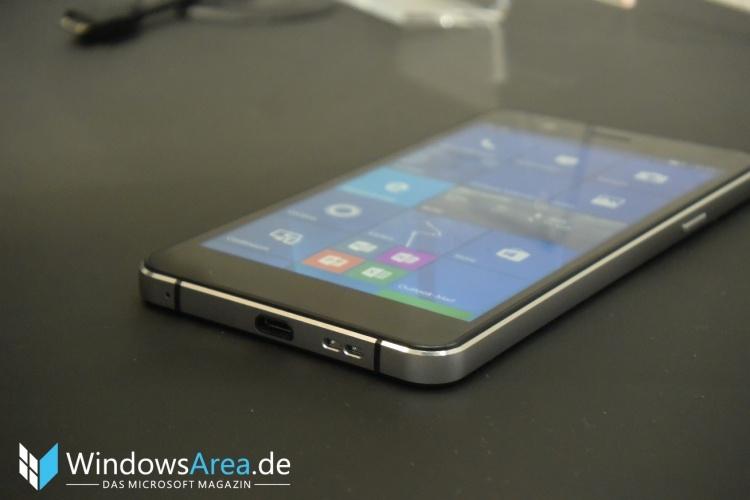 Trekstor-WinPhone-5.0-Rand-Seite
