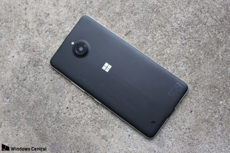 lumia-650-xl-back