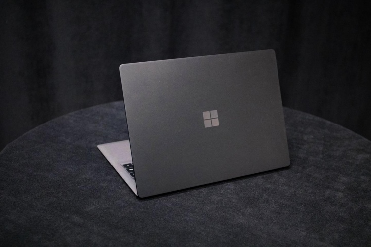microsoft-surface-laptop-2-is-the-best-laptop-of-2018-zj13.1440